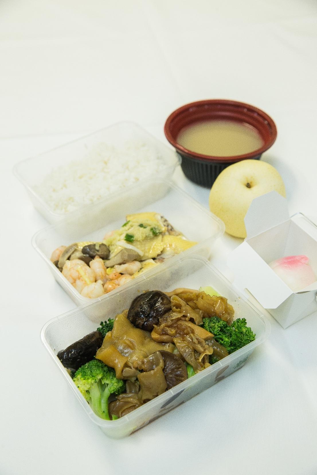 澳门金沙向本地出租车司机赠送特色餐盒共庆开业十三周年志庆