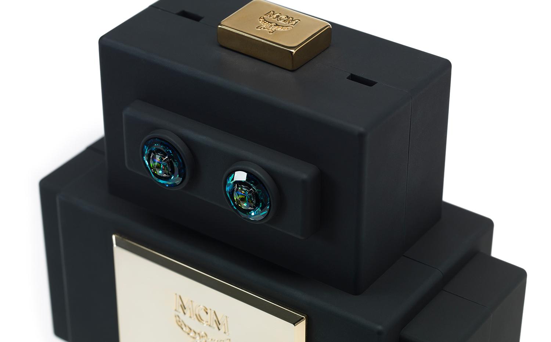 MCM Roboter Clutch - Black
