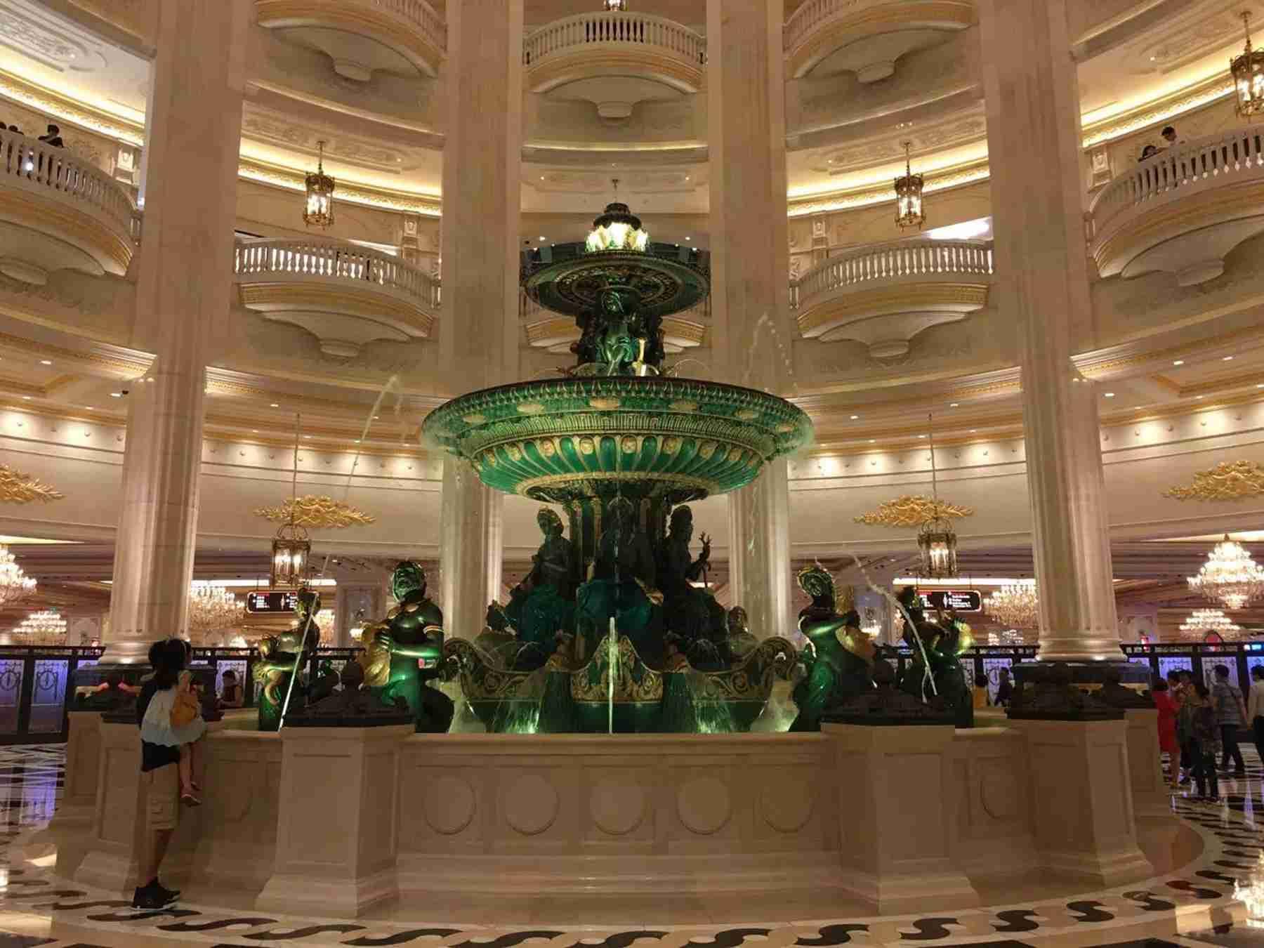 澳门巴黎人酒店圆形大厅喷泉