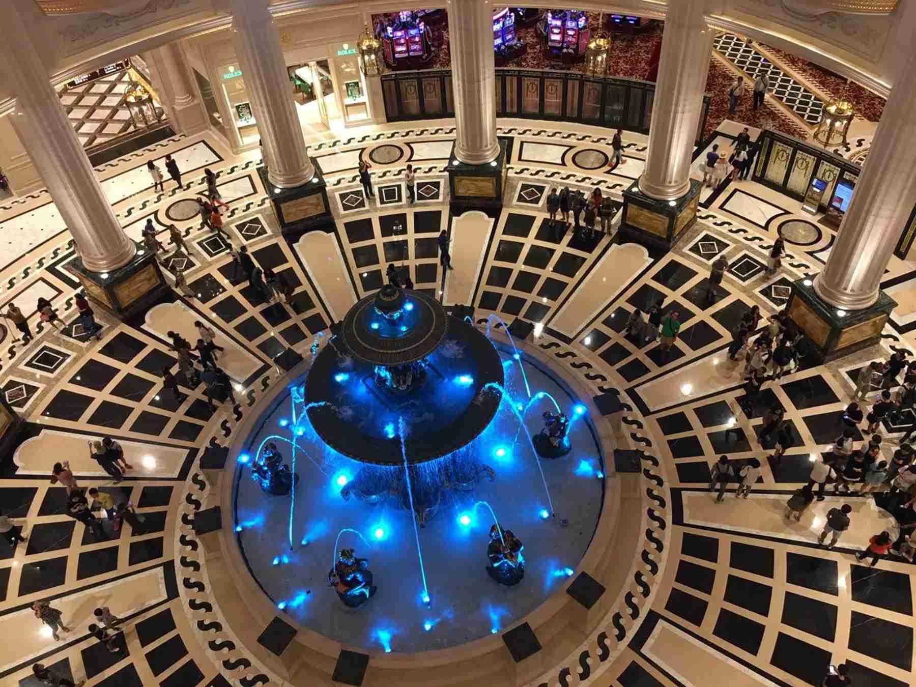 澳門巴黎人酒店圓形大廳噴泉