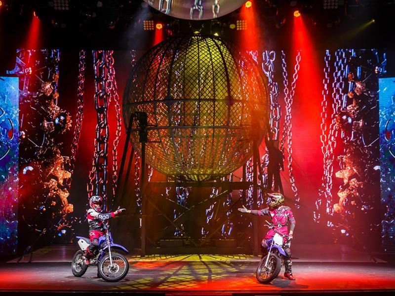 La Parisienne Cabaret Francais Macau Entertainment The