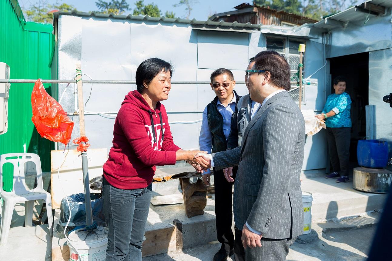 探訪路環風災受助居民 - 金沙中國