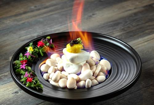 澳门金沙度假区为您奉上精致黑珍珠菜式