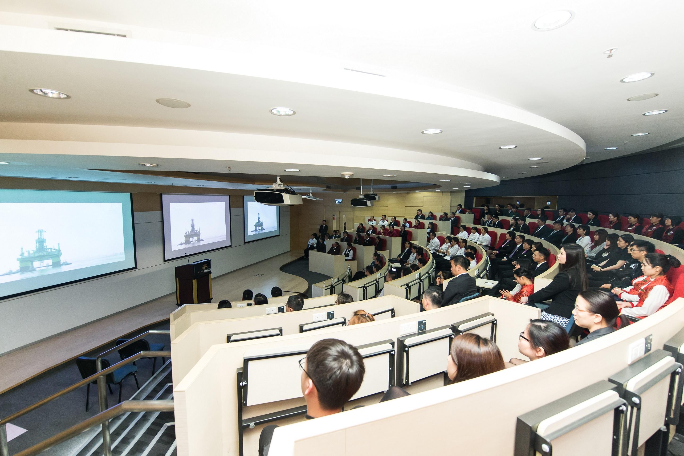 《輝煌中國》國情紀錄片展播會 - 澳門威尼斯人艾德森高等教育中心
