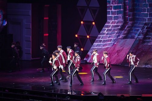 《EXO PLANET #4 – THE EℓYXION [DOT] – IN MACAO》- 澳门威尼斯人金光综艺馆