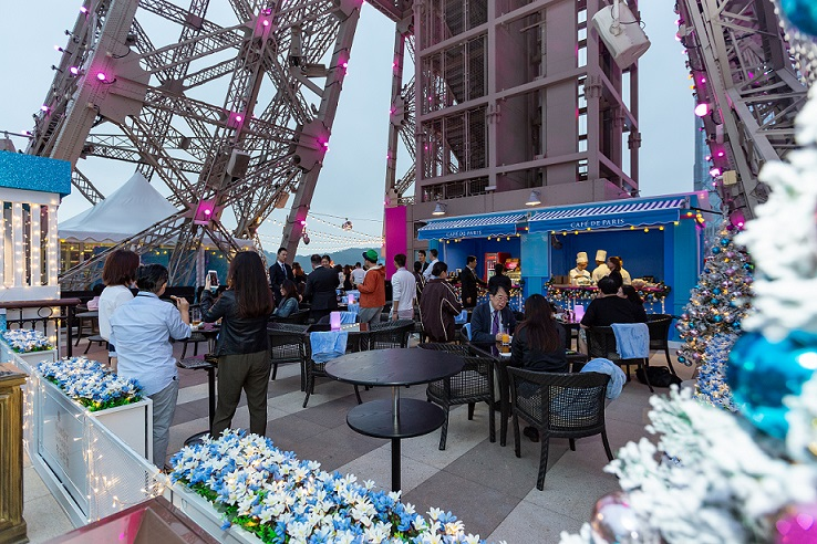 'WINTER IN PARIS CHARITY CHRISTMAS FAIR' - The Parisian Macao Eiffel Tower