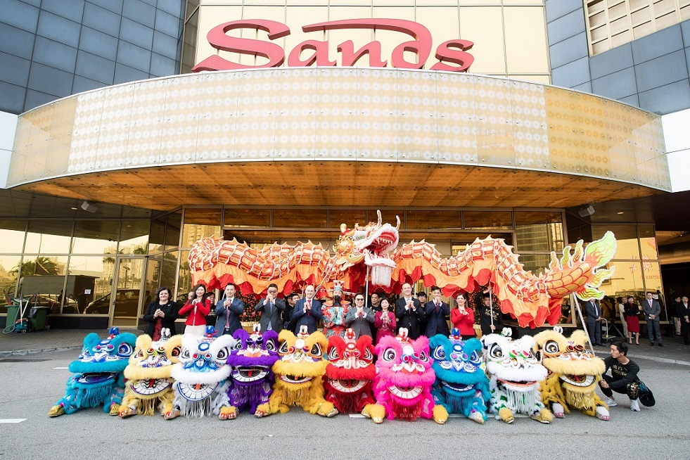 MARKS YEAR OF THE PIG WITH TRADITIONAL CEREMONIES AND LION AND DRAGON DANCES
