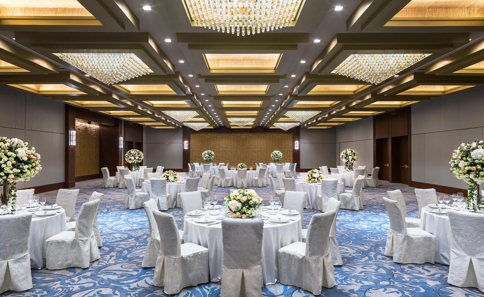 Astor Ballroom, banquet setup